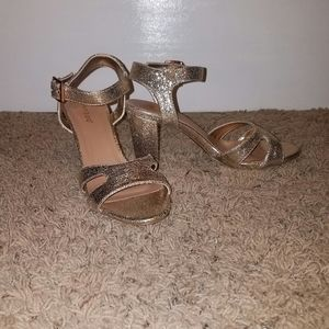 NWOT Glitter Gold 3 Inch Heels